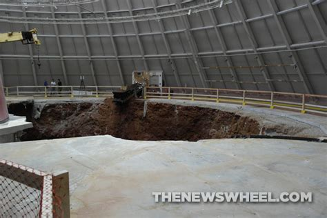 Corvette Museum Sinkhole Size by National Corvette Museum Sinkhole Documentary Is A Thing