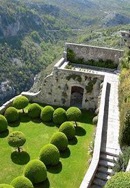 Beautiful Castle Garden