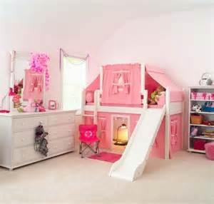 kinderzimmer einrichten jungen kinderzimmer mit hochbett und rutsche 50 fotos