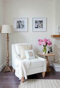 9 Beautiful White Chair Designs For A Simple Yet Elegant
