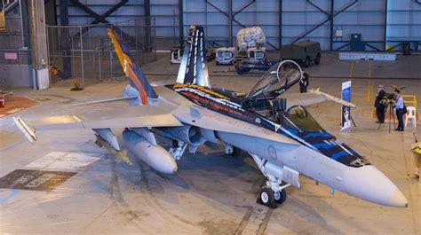 hornet raaf anniversary jet indigenous artwork douglas mcdonnell scheme australian hobby master 20th 30th special