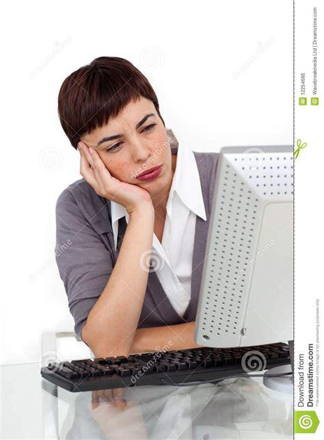 affaire de bureau femme d 39 affaires ennuyée à bureau image libre de