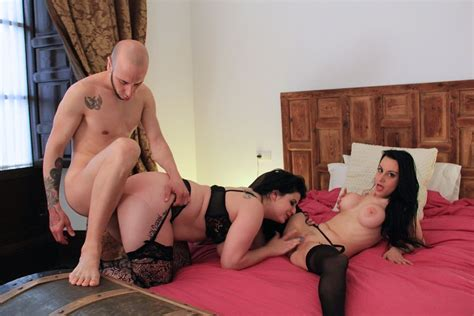 The Spanish Threesome Vr Sex With Two Brunettes Vr