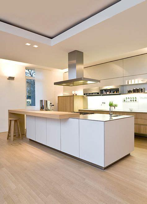 Diese Küche Ist Modern Es Hat Eine Arbeitsplatte Und Hell