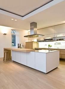 Arbeitsplatte Holz Küche : diese k che ist modern es hat eine arbeitsplatte und hell ist diese k che ist g kreativ ~ Sanjose-hotels-ca.com Haus und Dekorationen