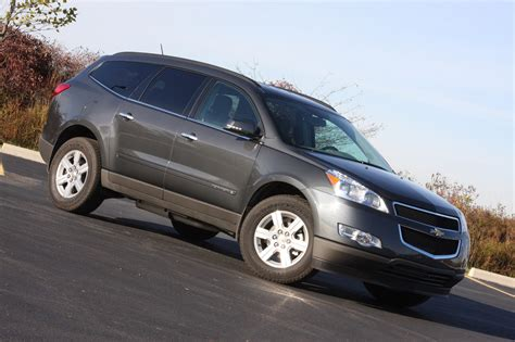 Review 2009 Chevrolet Traverse Lt Autoblog  Autos Post