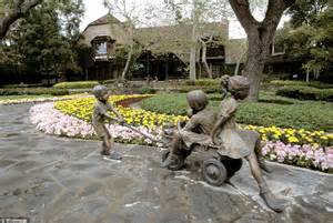 Frozen in time: Sprawling Neverland ranch Jackson turned ...