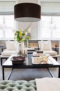ambiance salon chic 40 idees deco salon sophistiquees et With tapis peau de vache avec canapé d angle bleu pétrole