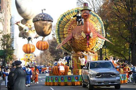 float   macys thanksgiving day parade long