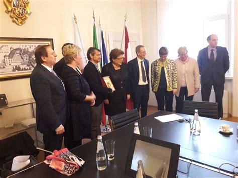 attività di ufficio sta l europa sia stimolo e traino delle attivit 224 di