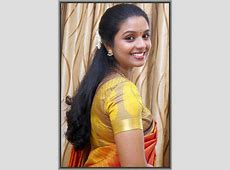 Homely Indian Girls Beautiful South Indian Aunts wearing