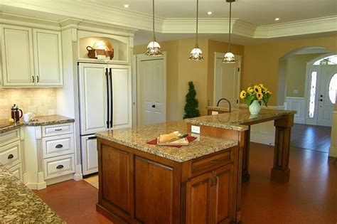 pictures of small kitchen islands antiqued kitchen cabinets traditional kitchen 7487