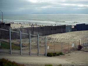Would a Border Wall Be Effective? | RAND