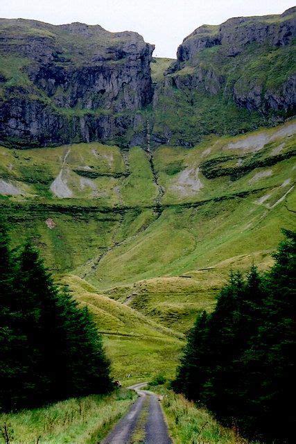 Gleniff Horseshoe Drive - Cliffs of... (C) Joseph ...
