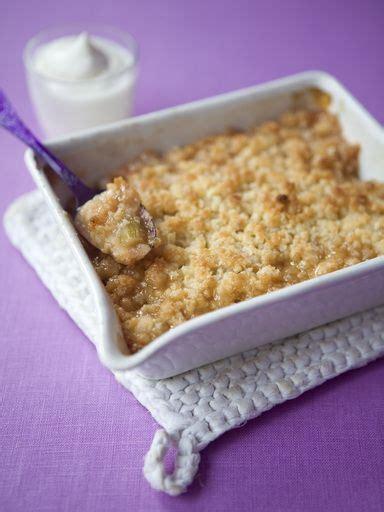 dessert a la rhubarbe marmiton crumble a la rhubarbe et aux pommes recipe cuisine and desserts