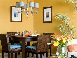 Our fave colorful dining rooms hgtv for Colors for a small dining room
