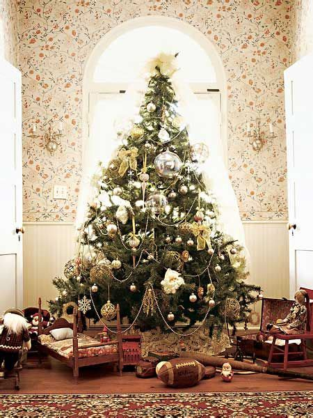 christmas tree   laureate house