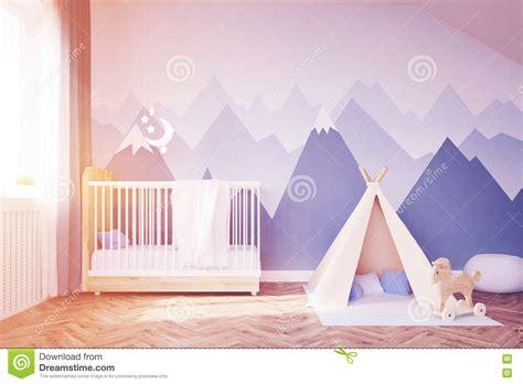 Baby ` S Raum Mit Einem Bett Und Einem Zelt, Getont Stock