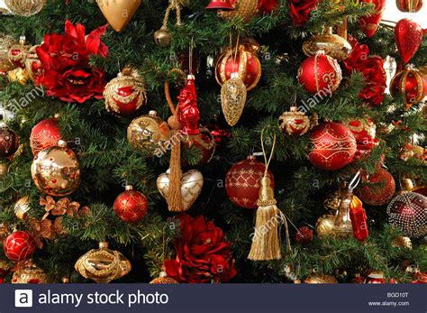 christmas tree decorations baubles wwwindiepediaorg