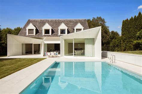 rumah modern kecil  kolam renang desain rumah