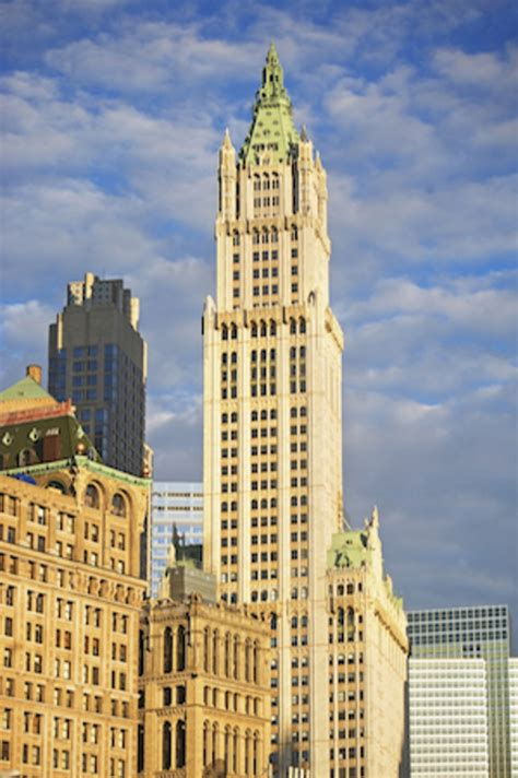 apartments   york citys iconic woolworth building