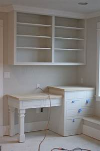 Build Corner Bookcase - WoodWorking Projects & Plans