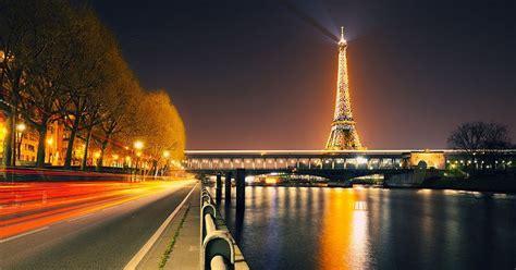 kemegahan  keindahan kota paris  malam