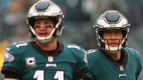 carson wentzs injury  happened  eagles qb heavycom