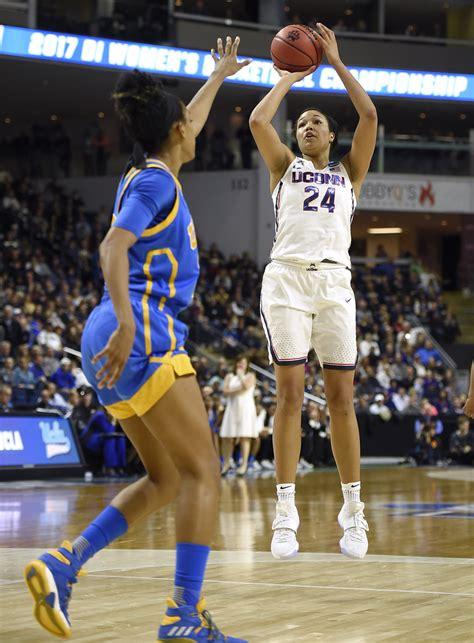 kelsey plum  unanimous choice  ap womens basketball