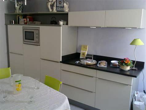 cuisine couleur magnolia couleur magnolia cuisine speed magnolia envia cuisines