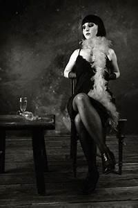 20er Jahre Kleidung Frauen : die mode der 50er jahre kleidung modestil modedesigner modetrends skandale und vieles mehr ~ Frokenaadalensverden.com Haus und Dekorationen