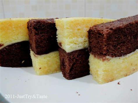 Gula pasir, sp dan telur dalam wadah kemudian di mixer ± 5menit. Resep Cake Kukus Lapis Coklat Keju   Just Try & Taste
