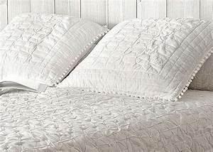 Dessus De Lit Blanc : dessus de lit boutis house design ~ Teatrodelosmanantiales.com Idées de Décoration
