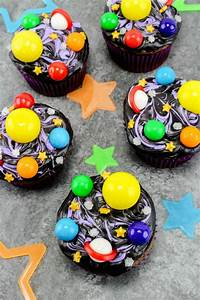 Galaxy Cupcakes and a Free Printable Solar System Matching ...