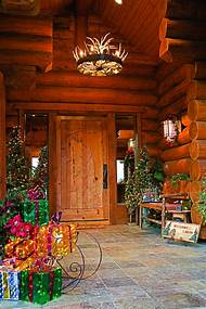 christmas decorated log cabin homes - Log Cabin Christmas Decorations