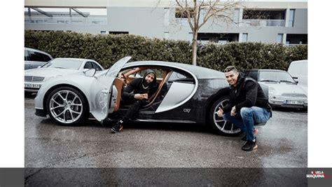Cristiano ronaldo has given the new bugatti chiron his seal of approval after taking the new luxury speed machine out for a spin in madrid. CR7 mostrou o seu Bugatti Chiron de 1500 cv a estrela do futebol americano - Actualidade ...