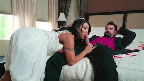 Catch The Garter Belt Fuck The Bride With August Taylor