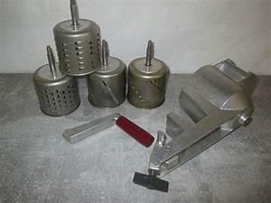 Küchenmaschine Mit Reibe : zyliss reibe aus metall mit 4 trommeln kaufen auf ricardo ~ Watch28wear.com Haus und Dekorationen