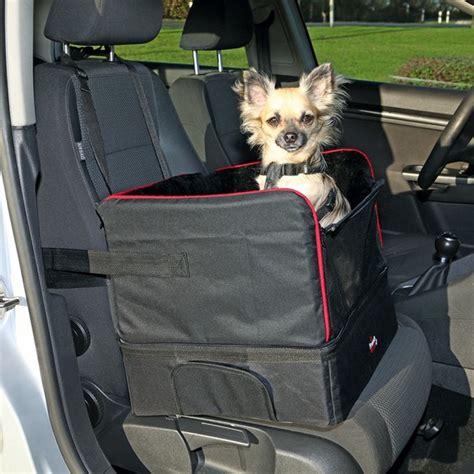 siege lit siège de voiture noir et lit de voyage petit chien pour