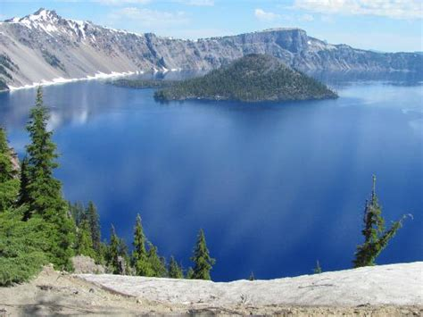 Crater Lake Boat Rental by Phantom Ship Island Up Picture Of Crater Lake