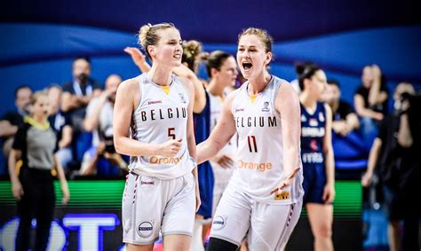 Eiropas čempionātā basketbolā sievietēm tiek noskaidrotas vēl divas ceturtdaļfinālistes ...