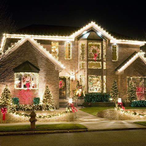how to put christmas lights on house 50 spectacular home christmas lights displays style estate