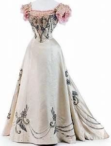 jeanne paquin robe de bal ivoire broderies de perles With robe dentelle beige