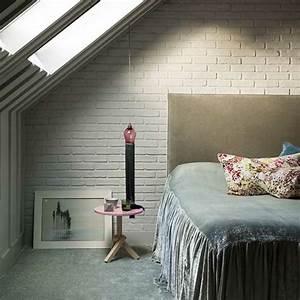 1001 idees deco de chambre sous pente cocoon With tapis chambre bébé avec fleur de bach dormir