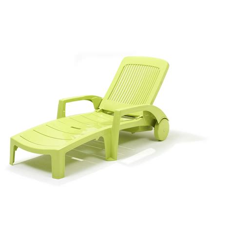 chaise longue fidji vert anis grosfillex chaises longues meubles de jardin jardin gamma be