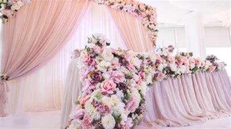 Breathtaking Wedding Head Table Decoration and Backdrop