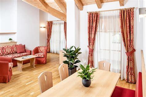 appartamenti vipiteno vacanze family hotel a vipiteno vacanze in famiglia zum engel