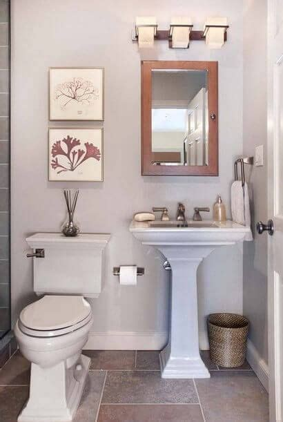 Half Bathroom Ideas On A Budget by 17 Best Ideas About Small Half Bathrooms On Pinterest