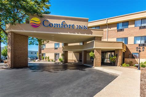comfort inn airport comfort inn airport in grand rapids mi 616 957 2