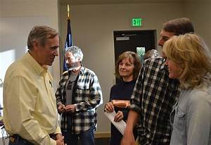 Merkley talks oil trains, Trump at Hood River town hall ...